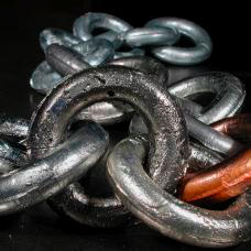 Iron Link in multi-metal chain